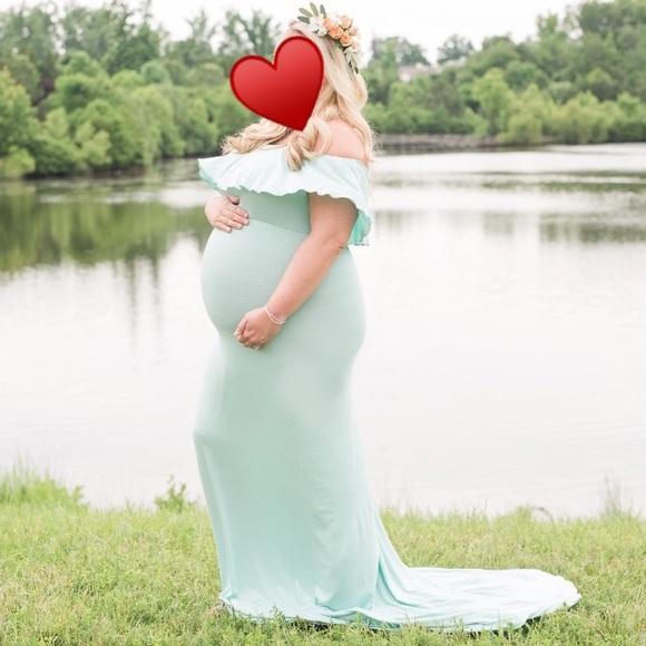 cfb59d5b394 Maternity Dress. M 5b36390f2beb7945b85690e1
